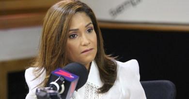 Presidenta Adora: ¿qué hay detrás de prohibir la publicidad política en radio y TV?