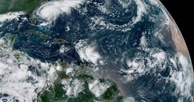 El huracán Humberto amenaza con fuerte oleaje a EE.UU. en su camino a Bermudas