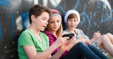 """""""Una cuestión de salud pública"""": ¿a qué edad le compro a mi hijo su primer móvil?"""