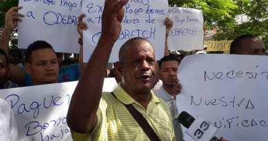 """Exempleados de Punta Catalina exigen """"por última vez"""" pacíficamente pago de bonos"""
