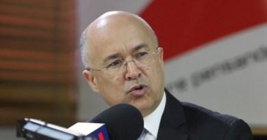 Domínguez Brito reitera desafío a Leonel para debatir