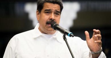 """Maduro llama a consolidar """"cuerpos de combatientes"""" formados por obreros"""