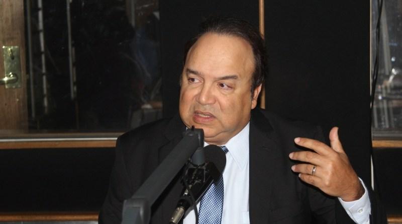 Castillo Semán advierte JCE tendría que modificar Ley Electoral para voto automatizado