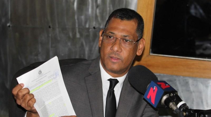 Enrique García: la Ley 3-19 le prohíbe a Surun Hernández repostularse en el CARD