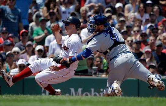 Stroman y Gurriel guían a Azulejos a triunfo sobre Boston