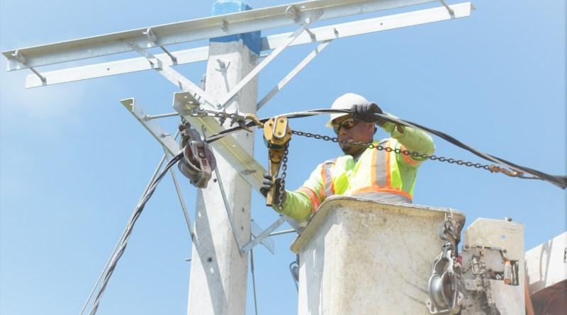 Edenorte integra comunidad provincia Duarte a servicio continuo de electricidad