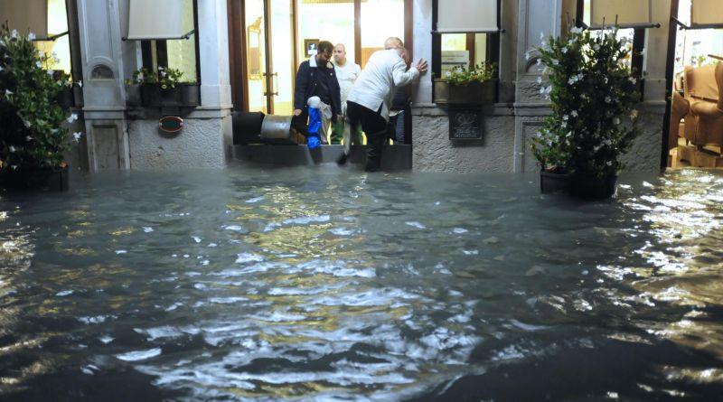 El Gobierno italiano declara estado de emergencia en Venecia y aprueba ayudas