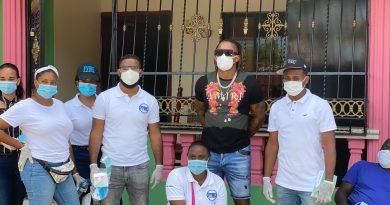 Ketel Marte y Fundación FYRE donan mascarillas para prevenir el COVID19
