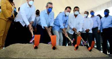 Abinader da primer picazo en zona franca que promete crear 10 mil empleos para SPM