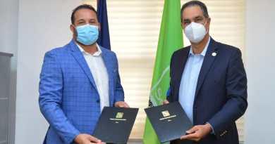 Senasa firma acuerdo con Federación de Peloteros para afiliar a jugadores activos, retirados y sus familiares