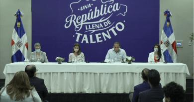 Sangiovanni explica proceso para seleccionar logo ganador para Marca País