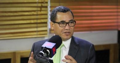 Eddy Olivares reasume funciones en el PRM tras fallido intento de presidir la JCE