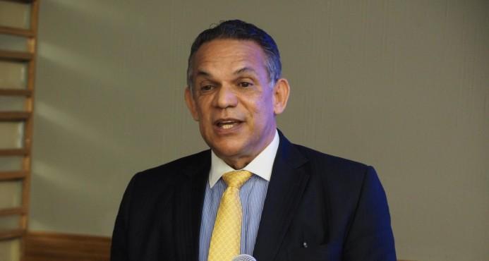 Ventura Camejo exhorta al PLD no reunirse con Abinader por «denuncias irresponsables»