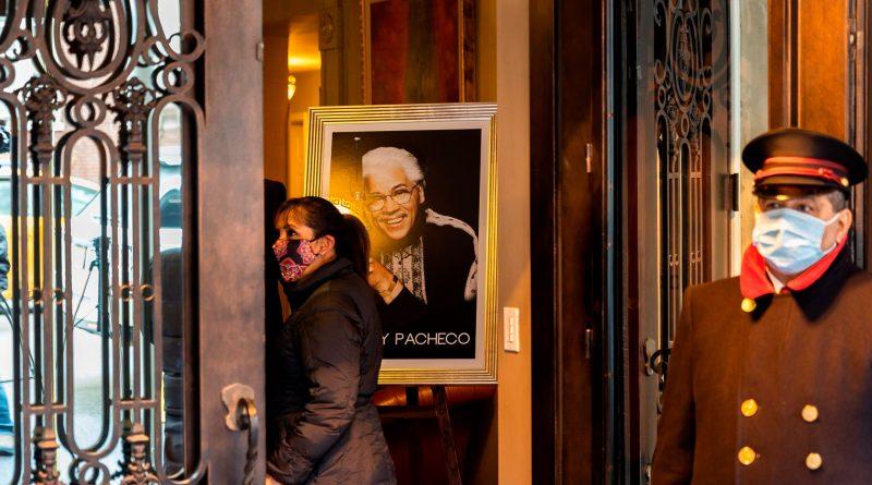 Recuerdan al dominicano Johnny Pacheco por su legado y humildad durante velatorio