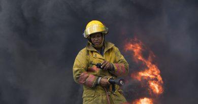 Un muerto y ocho afectados por incendio en la cárcel de La Romana