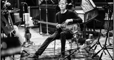 """""""Letras"""", el libro """"autorretrato"""" de McCartney se publicará en noviembre"""
