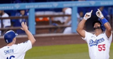 Albert Pujols pega su primer jonrón con Dodgers y 668 de su carrera en Grandes Ligas