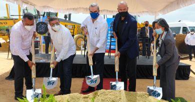 Abinader asiste primer palazo para construcción Centro de Educación y Formación de los Marlins