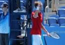 Retrasan los horarios de inicio de los partidos de tenis en medio de las altas temperaturas en Tokio