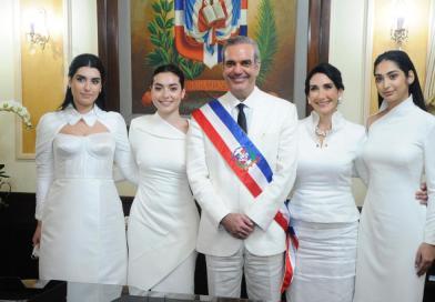 Hasta hija de Abinader se queja de burocracia en RD para emprender negocios, según lo dijo el propio presidente