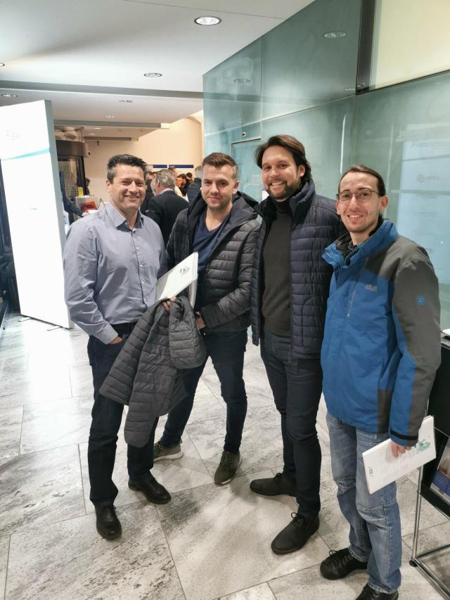 zentralvorstand zahntechnischer verband  VZLS Renzo Trachsler mit Zahntechniker Robert Arvai und Mitarbeiter
