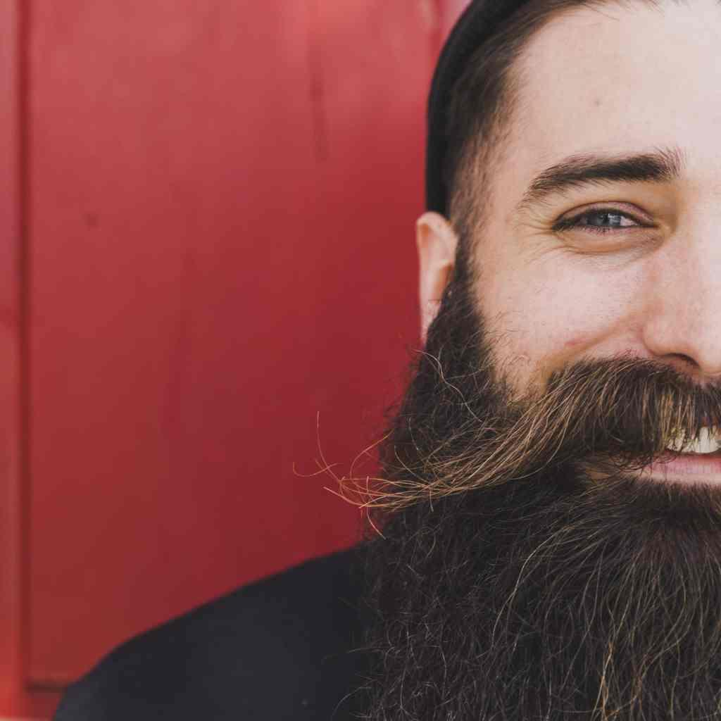 vitamines B zinc barbe soin pour les hommes