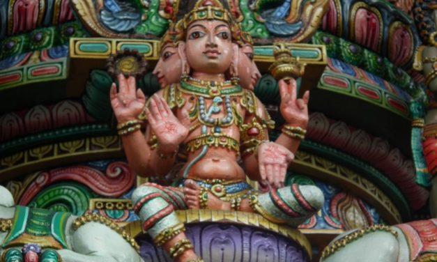 Il sacrificio di Prajapati crea l'Essere