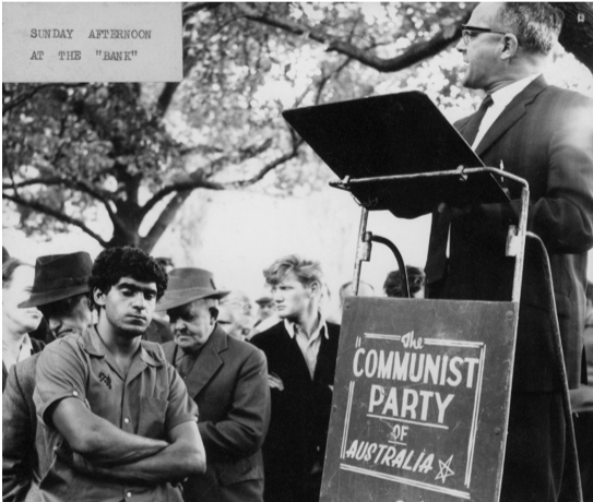 1 Bernie Taft addressing a crowd at the Yarra Bank, c1960s. Communist Party of Australia collection, University of Melbourne Archives, 1991.0152.00099