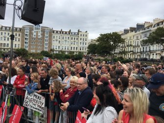 More crowds gathering in Hastings ready to hear Corbyn speak. (01/07/16)