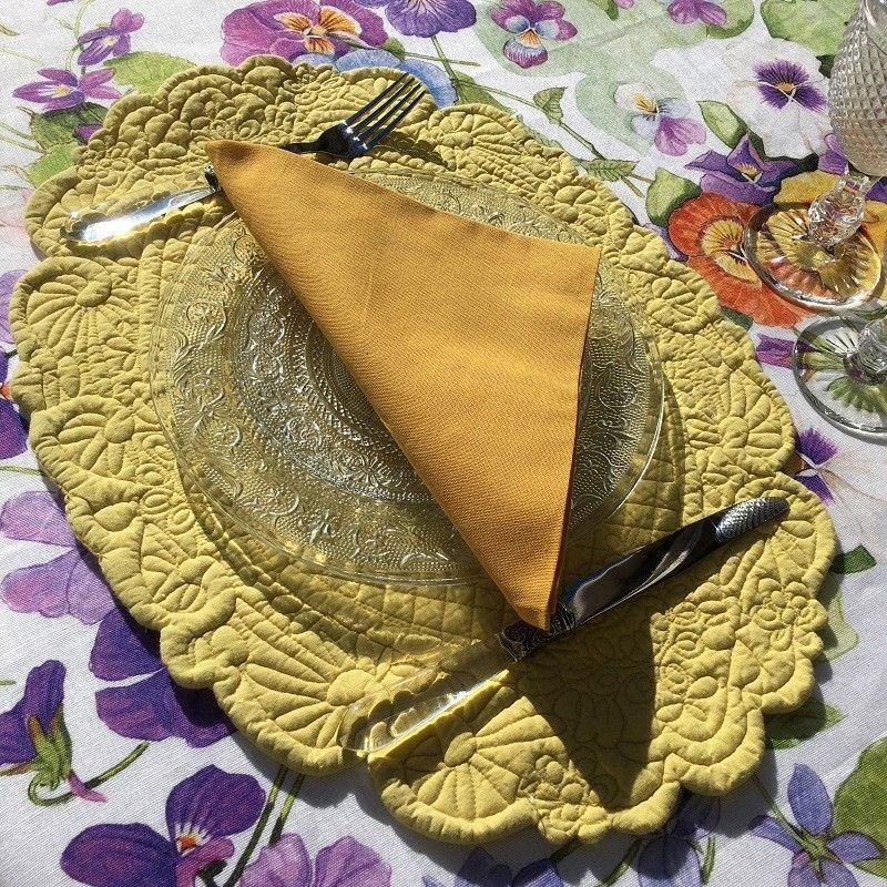 blanc mariclo set de table ovale en boutis jaune lindsay laboutiquedelea