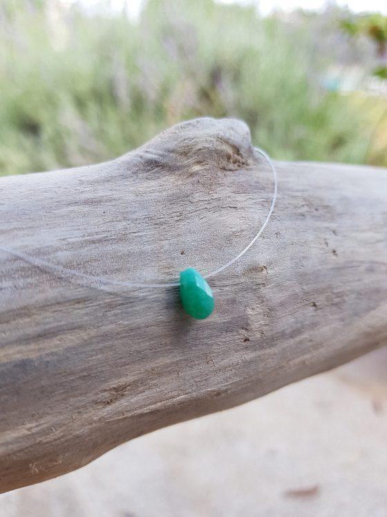 collier avec goutte en jade