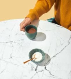 Chaises pour table en marbre