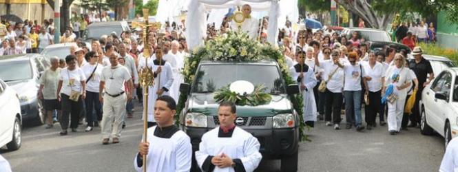 Católicos de todo el país celebran fiesta de Corpus Christi