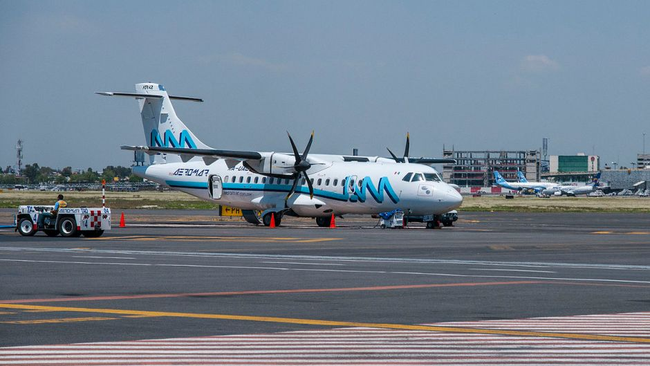 Avión_ATR_42_de_Aeromar