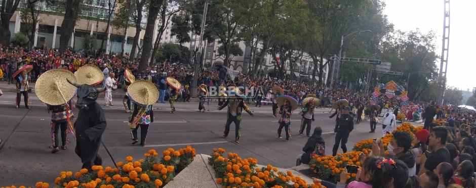 Desfile del 007 Spectre 33