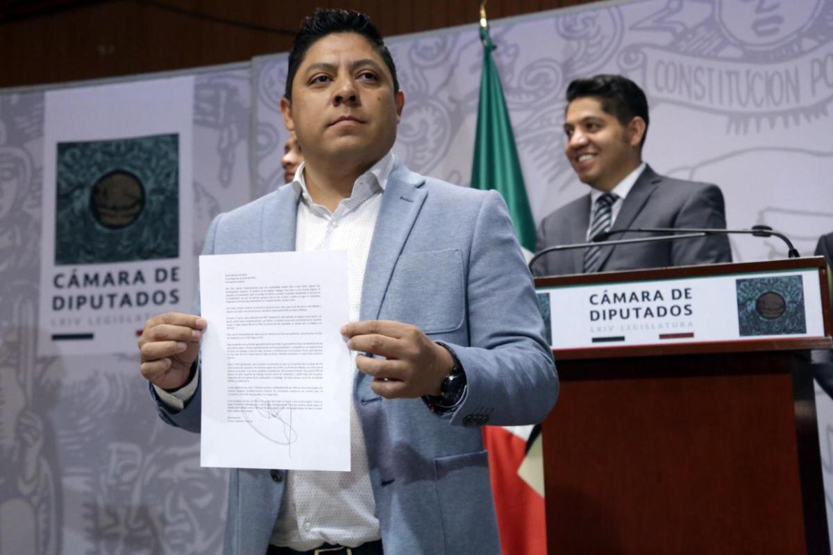 Desbandada. Pollito Gallardo y 8 Diputados Renuncian al PRD