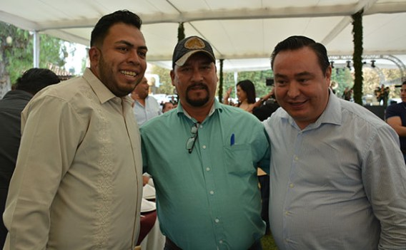 Gabino Morales Celebra 30-amigos-28