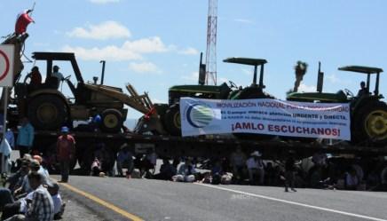 Productores agrícolas bloquean carretera 57