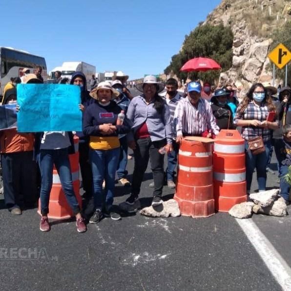 bloqueo carretera a Zacatecas-2.jpg