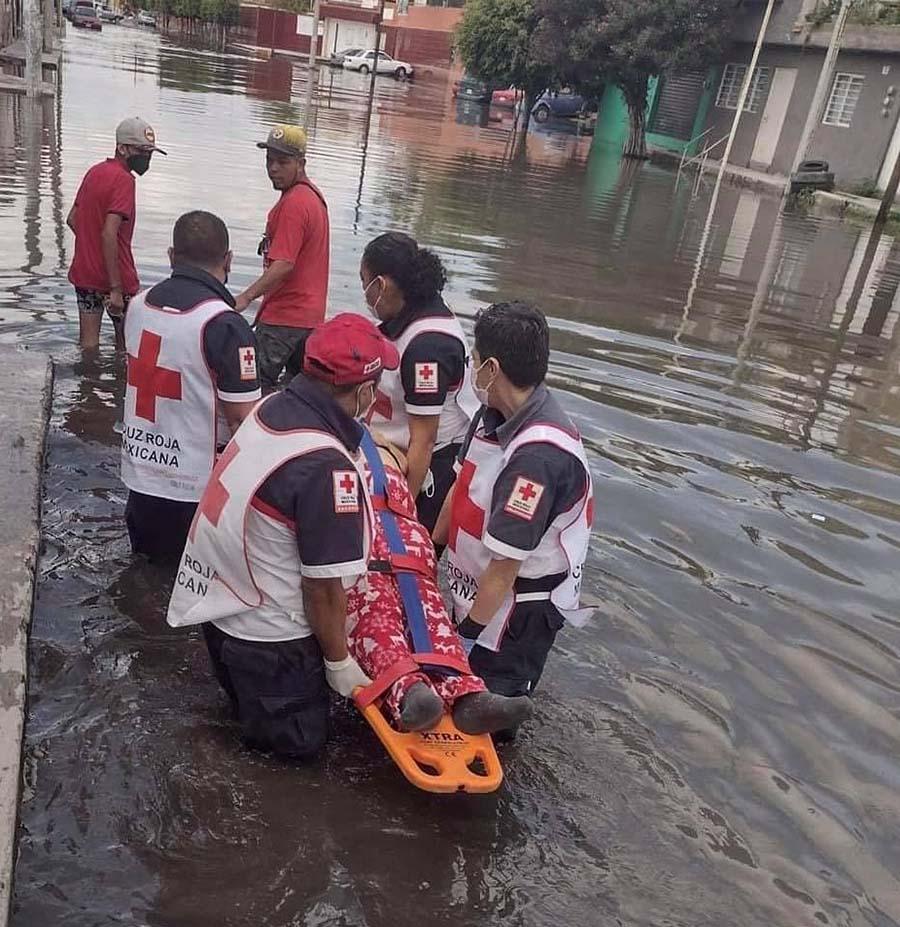 fuertes lluvias obligan a rescate