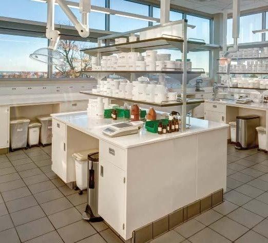 Adjustable Lab Shelves for Bench