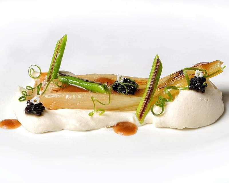 113 novodabo cebollas de mi huert a con coliflor y caviar perse