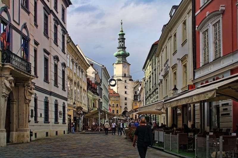 bratislava 2544041