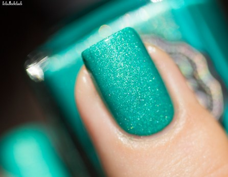 il etait un vernis-welcom paradise collection-peace, love and chill_1