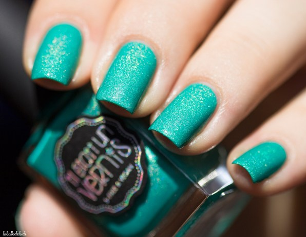 il etait un vernis-welcom paradise collection-peace, love and chill_9