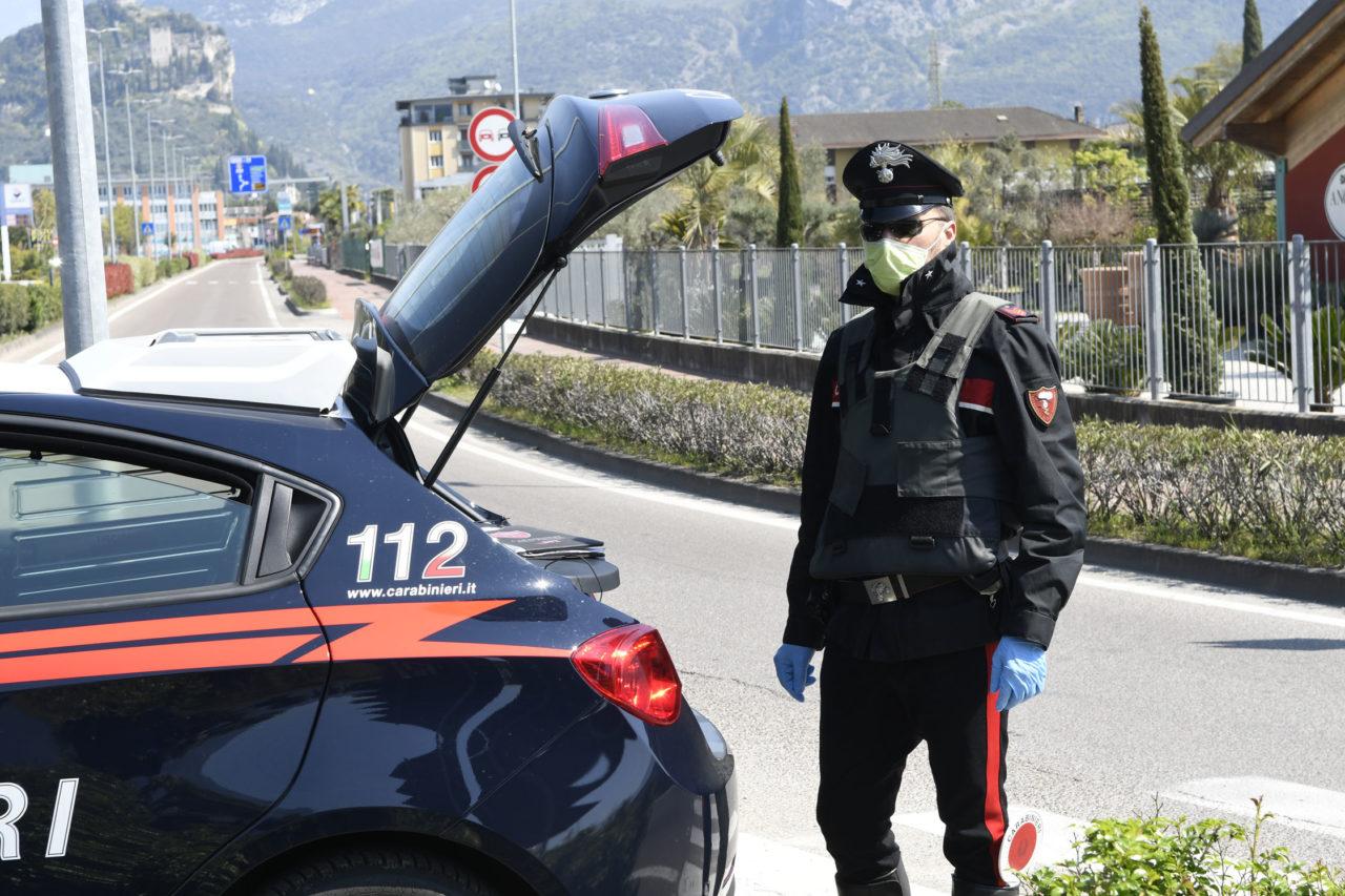 Risultato immagini per carabinieri augusta controlli anticovid
