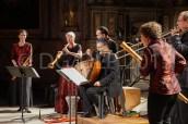 Katharina Bäuml, chalémie ; Birgit Bahr, chalémie ; Peter A. Bauer, percussions ; Johannes Vogt, luth ; Falko Munkwitz, sacqueboute ; Annette Wils, doulciane.