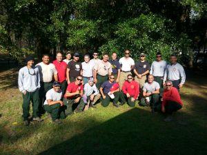 Grupo de bomberos forestales de Puerto Rico, que partió a los Estados Unidos.