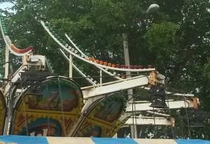 La foto muestra la presencia de moho en la machina accidentada en las Fiestas Patronales de Hormigueros.