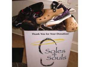 """Distintivo de la organización """"Soles 4 Souls""""."""